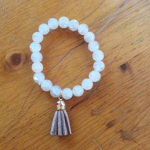 Jewelry - Cream/rose gold looking beaded bracelet/leather